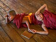 Photographer Steve McCurry Galleries Buddhism
