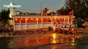 Experience a Pleasant Dinner Over the Water in the Cayman Islands